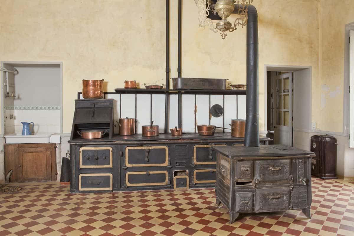 Deux cuisines des XVIIIe et XIXe siècles